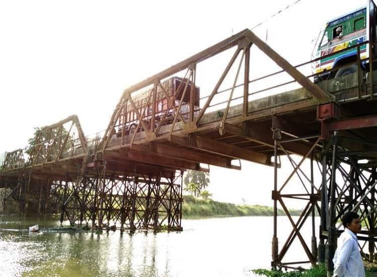 General View of the Bridge
